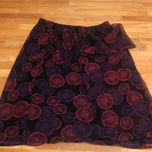 Cato skirt with small slit